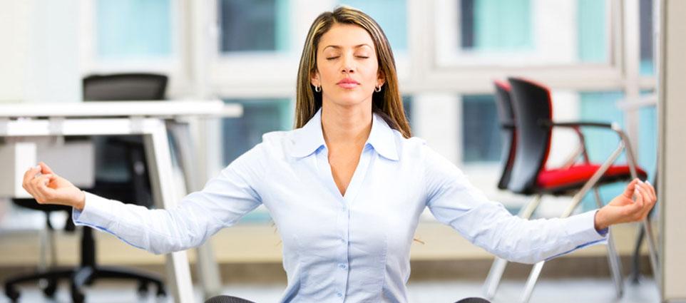 Yoga en entreprise, ses bienfaits au service des compétences professionnelles.